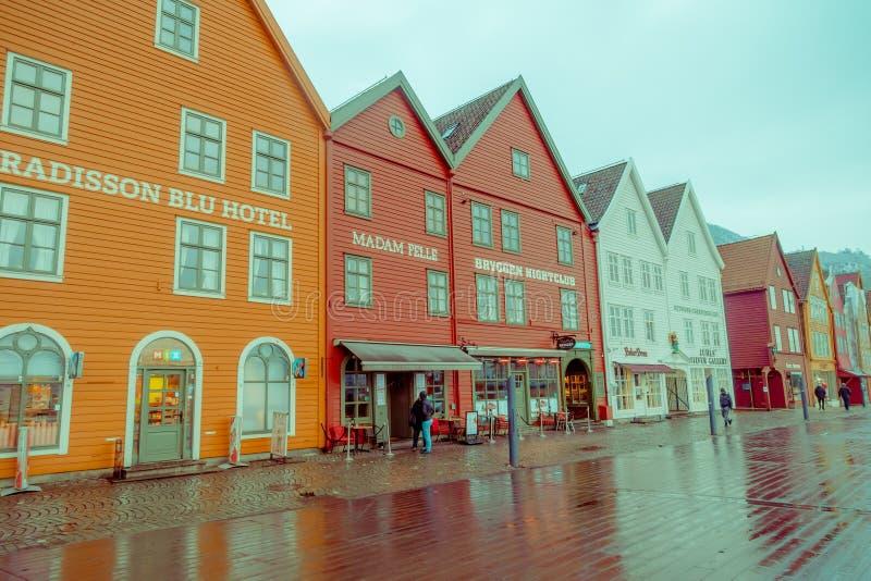 Μπέργκεν, Νορβηγία - 3 Απριλίου 2018: Το νορβηγικό παραδοσιακό ξύλινο σπίτι, Bryggen, είναι μια από μια περιοχή παγκόσμιων κληρον στοκ φωτογραφίες με δικαίωμα ελεύθερης χρήσης