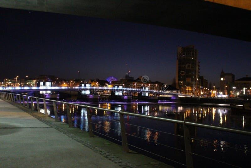 Μπέλφαστ τη νύχτα στοκ φωτογραφίες