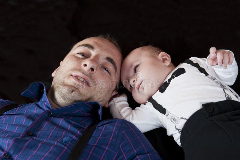 Download Μπαμπάς και γιος στοκ εικόνες. εικόνα από φιλί, babylonia - 22792552