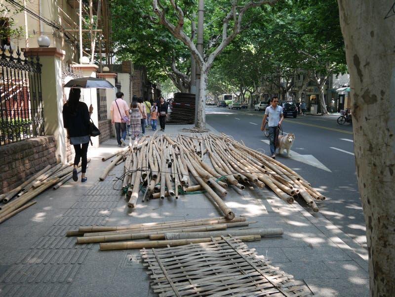 Μπαμπού για τα υλικά σκαλωσιάς στη Σαγκάη στοκ φωτογραφία με δικαίωμα ελεύθερης χρήσης