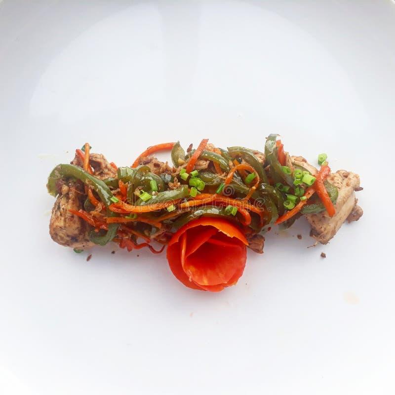 μπαμπού μαύρος szechuan παραδοσιακός πιπεριών κρεμμυδιών μανιταριών τροφίμων κοτόπουλου κινεζικός στοκ εικόνες
