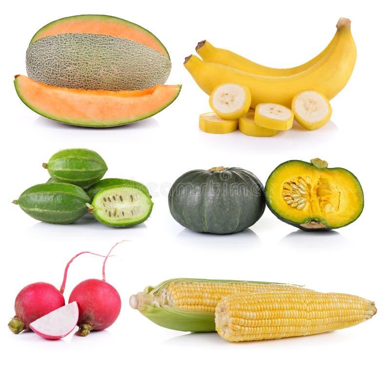 Μπανάνες, καλαμπόκι, κολοκύθα σφουγγαριών, μικρό ραδίκι, κολοκύθα, πεπόνι στο whi στοκ φωτογραφία με δικαίωμα ελεύθερης χρήσης