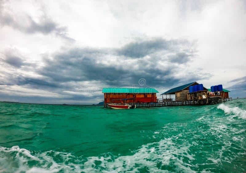 Μπανγκαλόου νερού, malysia semporna sabah στοκ εικόνες