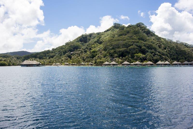 Μπανγκαλόου Huahine Overwater στοκ εικόνες