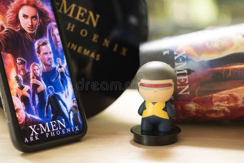 Μπανγκόκ, Ταϊλάνδη – 30 Ιουνίου 2019: Η διαφήμιση για τον κινηματογράφο κάλεσε τα Χ-άτομα σκοτεινό Phoenix με το πρότυπο παιχνιδι στοκ φωτογραφία