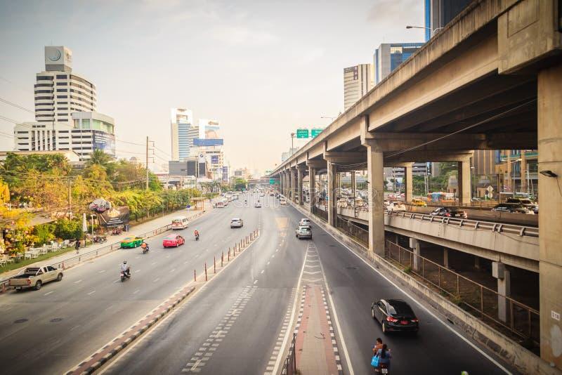 Μπανγκόκ, Ταϊλάνδη - 8 Μαρτίου 2017: Ομαλά κυκλοφορία σε Vibhavad στοκ φωτογραφία με δικαίωμα ελεύθερης χρήσης