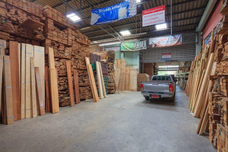 Μπανγκόκ, Ταϊλάνδη - 22 Σεπτεμβρίου 2015: Βιομηχανικό ξύλινο Producti στοκ εικόνες