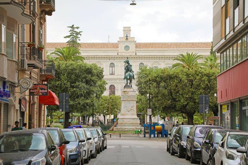 ΜΠΑΡΙ, ΙΤΑΛΙΑ - 28 ΙΟΥΛΊΟΥ 2019: άποψη μέσω του Marcello Celentano με το πανεπιστήμιο του Μπάρι στο υπόβαθρο, Ιταλία στοκ φωτογραφίες με δικαίωμα ελεύθερης χρήσης