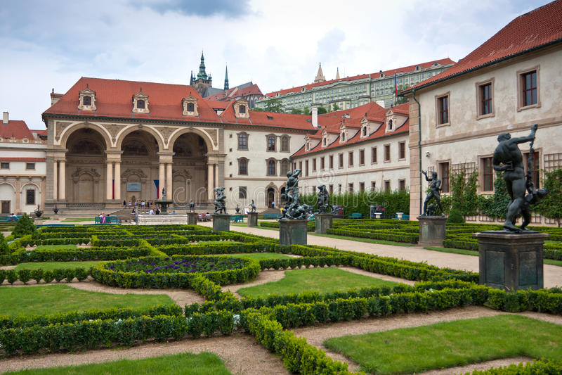 Μπαρόκ κήπος wallenstein στο strana mala στοκ εικόνες