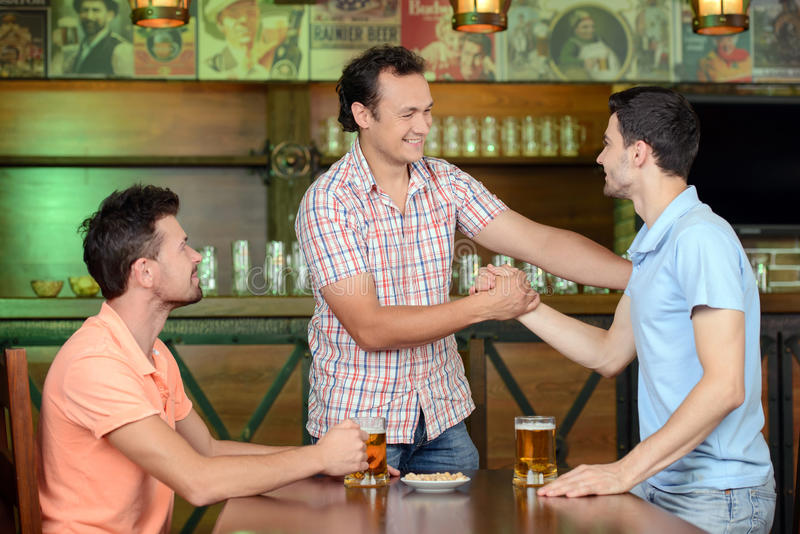 Μπαρ μπύρας στοκ εικόνες με δικαίωμα ελεύθερης χρήσης