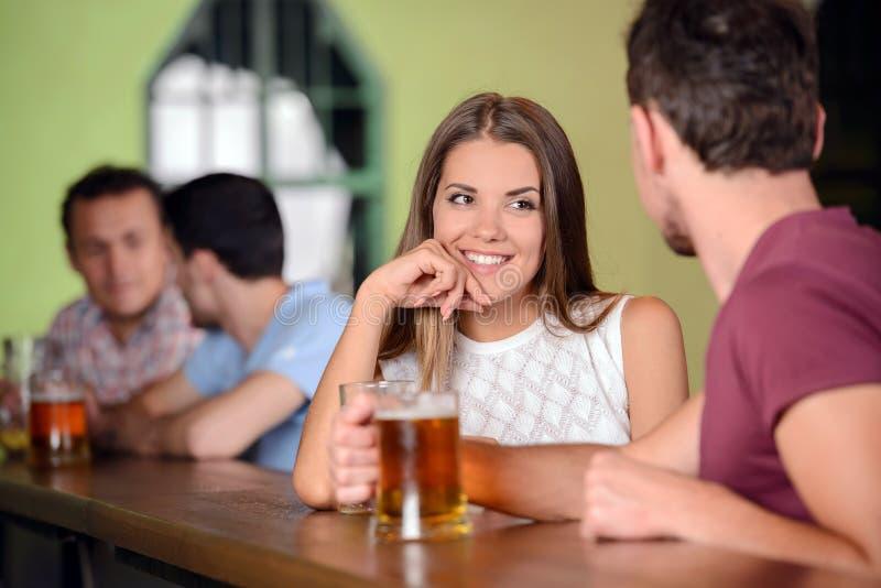 Μπαρ μπύρας στοκ φωτογραφία με δικαίωμα ελεύθερης χρήσης