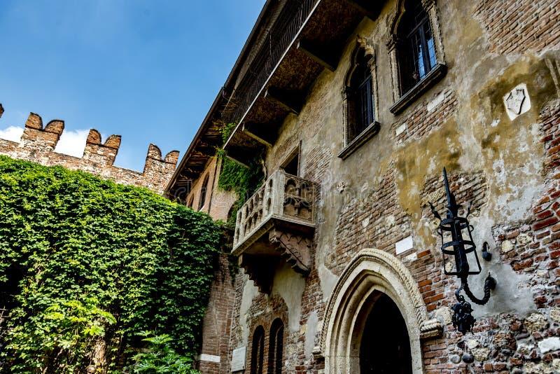 Μπαλκόνι της Juliet ` s στη Βερόνα, Ιταλία στοκ εικόνες