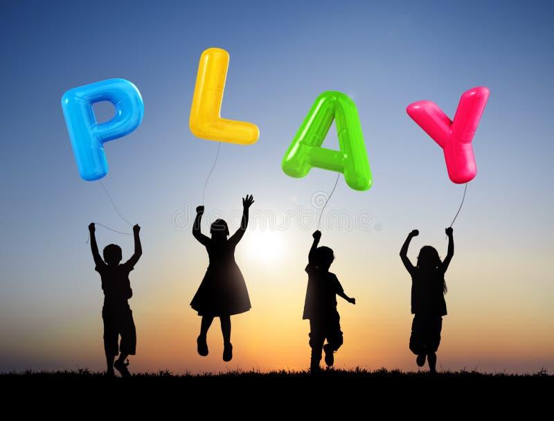 Μπαλόνια εκμετάλλευσης παιδιών με το παιχνίδι του Word στοκ εικόνες