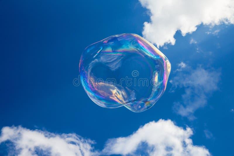 Μπαλόνια σαπουνιών ενάντια στο μπλε ουρανό 2 στοκ φωτογραφίες με δικαίωμα ελεύθερης χρήσης