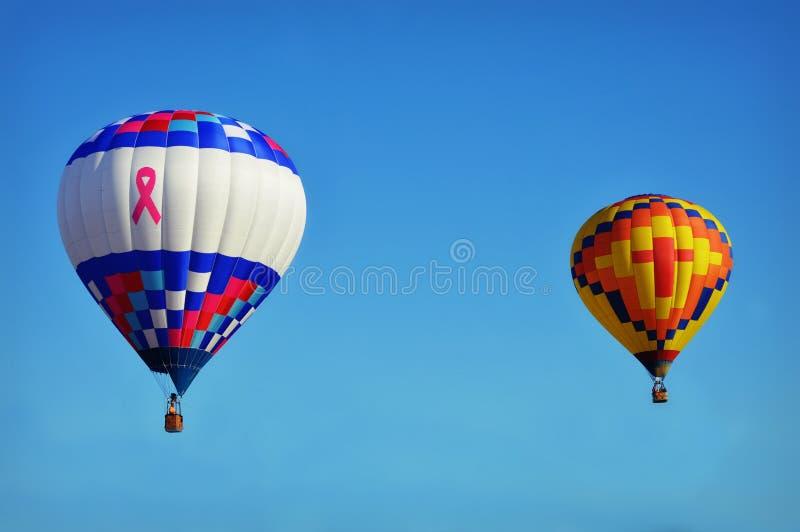 Μπαλόνι ζεστού αέρα καρκίνου του μαστού στοκ εικόνα με δικαίωμα ελεύθερης χρήσης