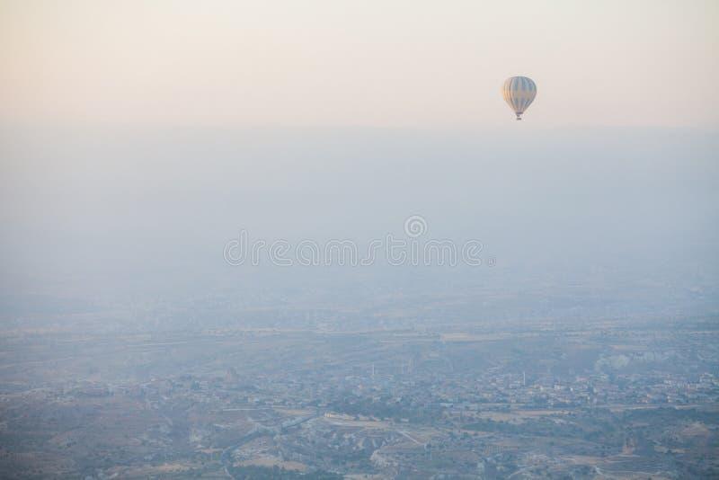 Μπαλόνι ζεστού αέρα σε Cappadocia στοκ φωτογραφία με δικαίωμα ελεύθερης χρήσης