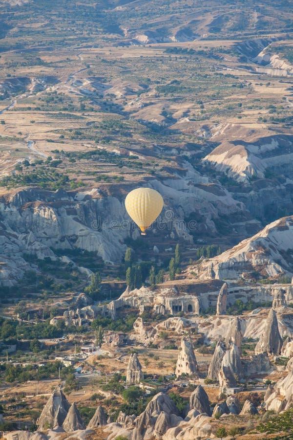 Μπαλόνι ζεστού αέρα σε Cappadocia στοκ φωτογραφίες
