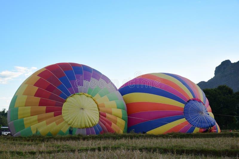 Μπαλόνι και πιλότοι ζεστού αέρα στο Λάος στοκ εικόνες