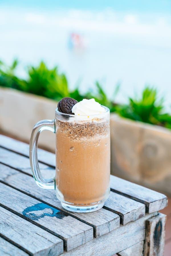 μπισκότα και σοκολάτα κρέμας milkshake στοκ εικόνες