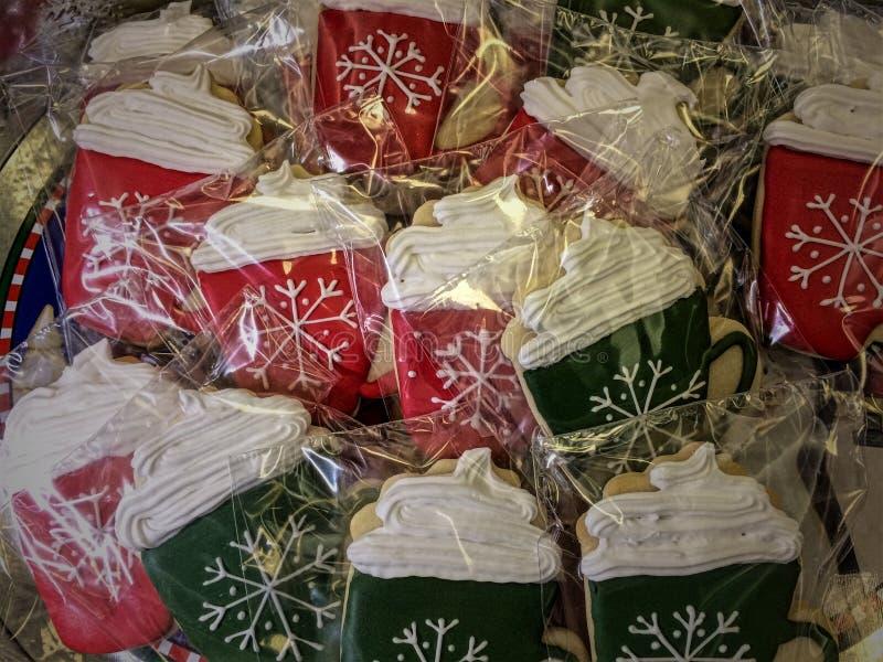 Μπισκότα με ζεστό σοκολάτα στοκ φωτογραφία με δικαίωμα ελεύθερης χρήσης
