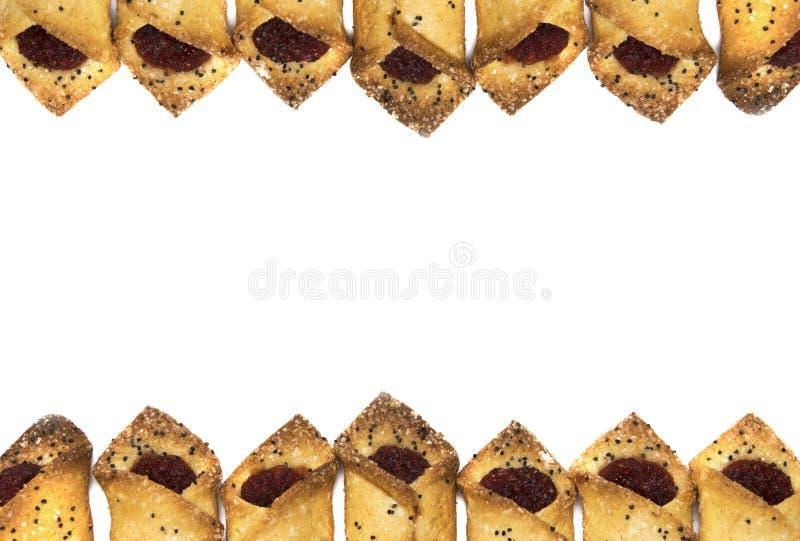 Μπισκότα με τη μαρμελάδα σμέουρων στο άσπρο υπόβαθρο στοκ εικόνα