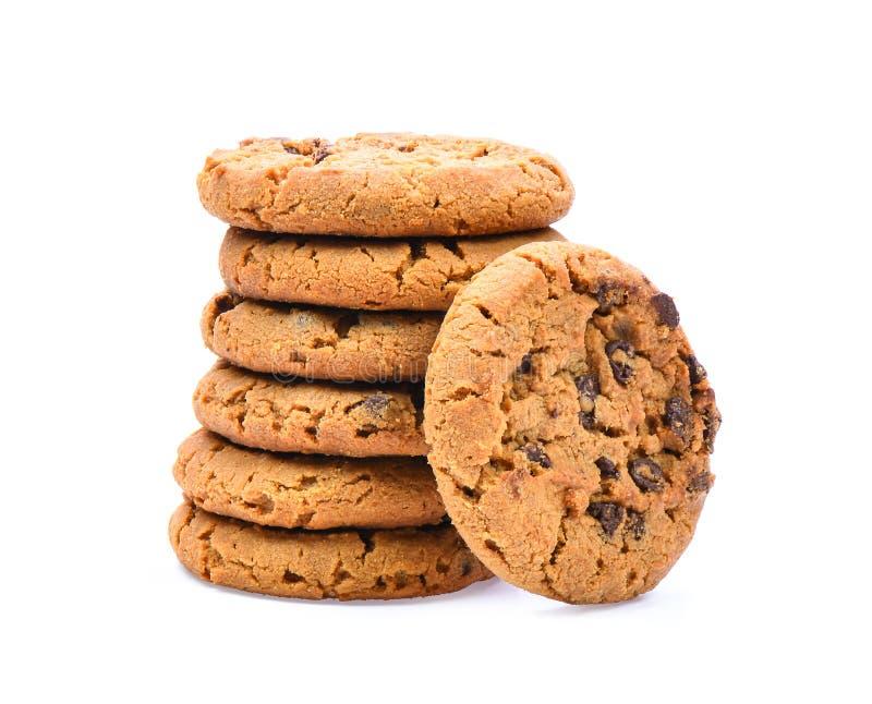 Μπισκότα τσιπ σοκολάτας στο άσπρο υπόβαθρο στοκ εικόνες