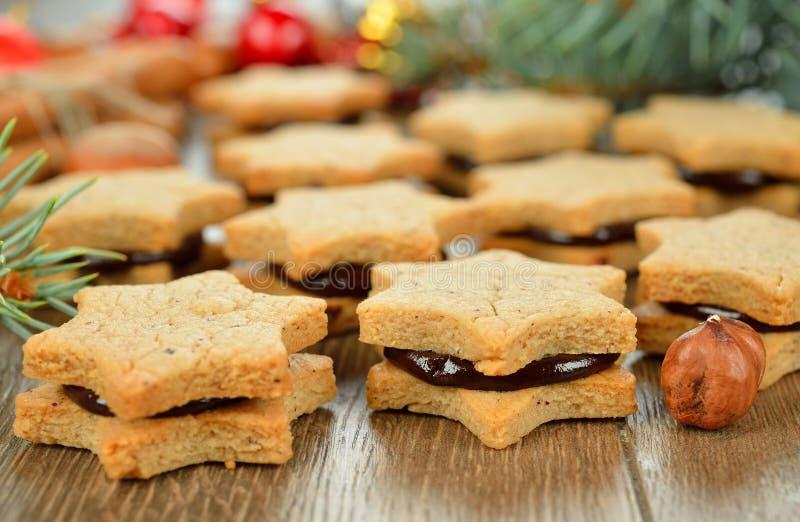 Μπισκότα Χριστουγέννων με τη σοκολάτα στοκ εικόνες