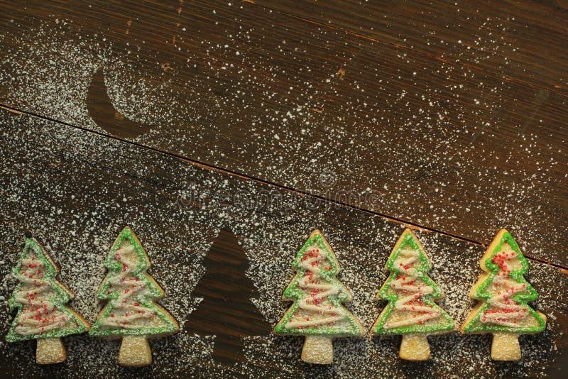 Μπισκότα χριστουγεννιάτικων δέντρων στοκ φωτογραφίες