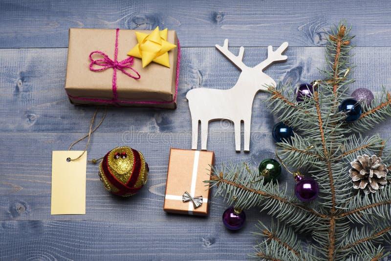 Μπιχλιμπίδια και διακοσμήσεις Χριστουγέννων στοκ εικόνες