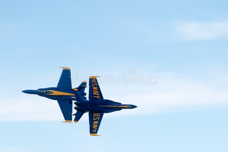 Μπλε αεριωθούμενα αεροπλάνα αγγέλων στοκ εικόνα με δικαίωμα ελεύθερης χρήσης