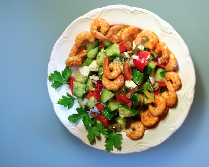 μπλε γαρίδες σαλάτας πιάτων στοκ εικόνα με δικαίωμα ελεύθερης χρήσης