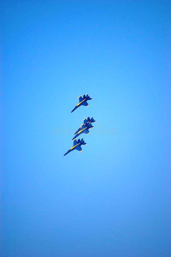 μπλε εκτέλεση αγγέλων στοκ εικόνα με δικαίωμα ελεύθερης χρήσης