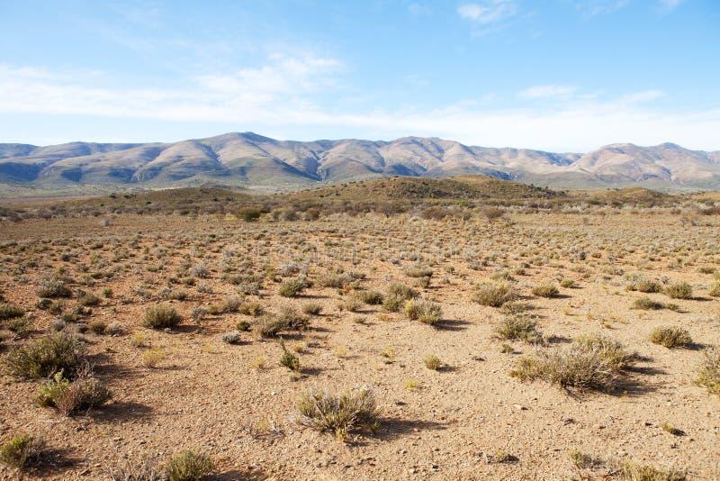 μπλε ημι ουρανός περιοχών βουνών ερήμων στοκ εικόνες