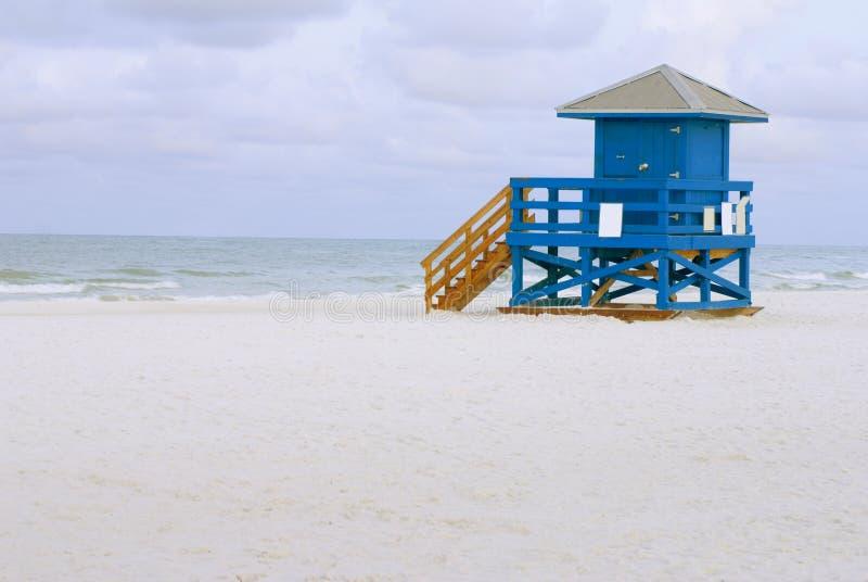 Μπλε καλυβών Lifeguard στοκ φωτογραφία με δικαίωμα ελεύθερης χρήσης