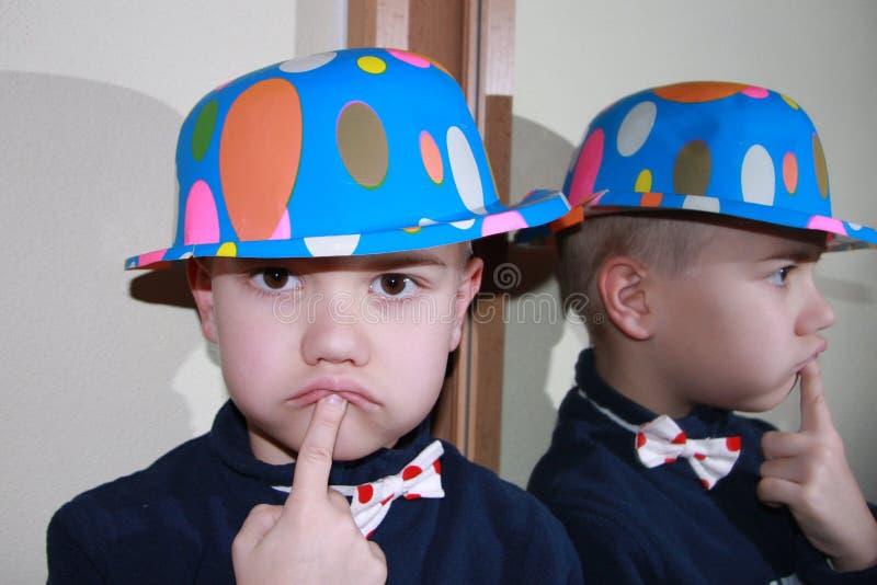 μπλε καπέλο αγοριών στοκ εικόνα