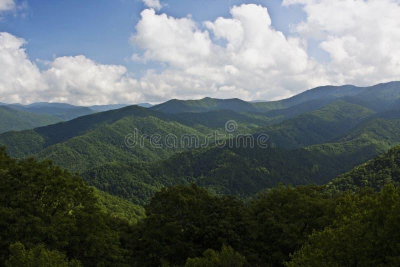 μπλε κορυφογραμμή βουνώ&n στοκ εικόνα με δικαίωμα ελεύθερης χρήσης