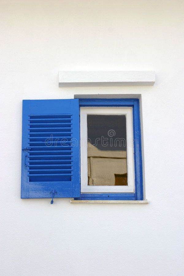μπλε μικρό παράθυρο στοκ φωτογραφία με δικαίωμα ελεύθερης χρήσης