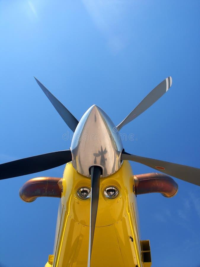 Download μπλε ουρανός προωστήρων αεροσκαφών Στοκ Εικόνα - εικόνα από επικίνδυνος, απομονωμένος: 397189