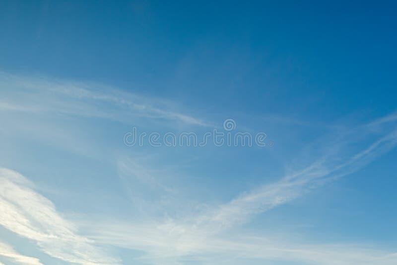 μπλε ουρανός σύννεφων Ημέρα καθαρίσματος και καλός καιρός το πρωί στοκ φωτογραφίες με δικαίωμα ελεύθερης χρήσης