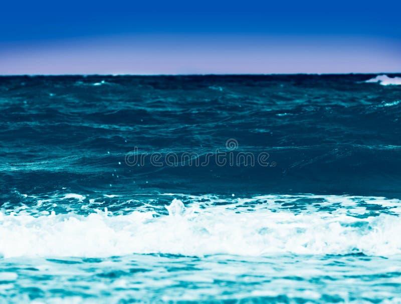 μπλε πέρα από το ύδωρ ουραν&om στοκ εικόνα