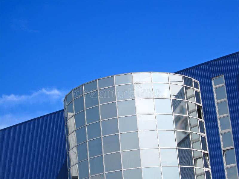 μπλε που χτίζει το σύγχρ&omicro στοκ εικόνα