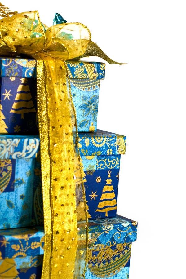 μπλε πυραμίδα δώρων κιβωτίων στοκ εικόνα με δικαίωμα ελεύθερης χρήσης