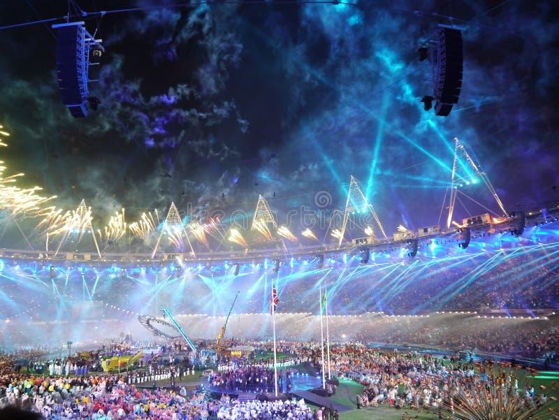 Μπλε πυροτεχνήματα στην τελετή κλεισίματος Paralympic στοκ φωτογραφία με δικαίωμα ελεύθερης χρήσης