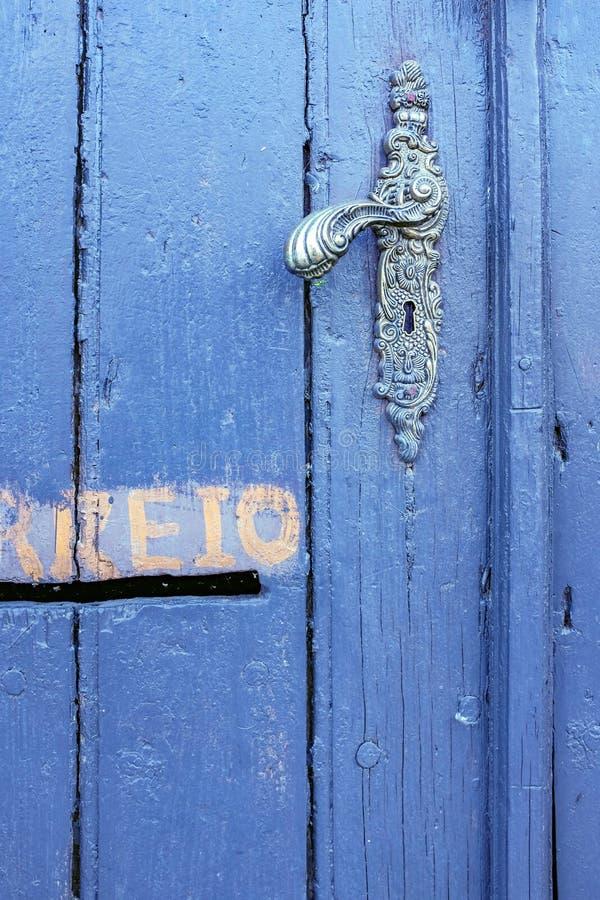 μπλε πόρτα λεπτομέρειας παλαιά στοκ φωτογραφία με δικαίωμα ελεύθερης χρήσης