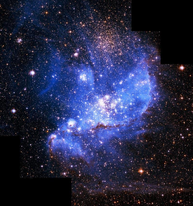 Μπλε στοιχεία εικόνας κόσμου Magellan ενισχυμένα νεφέλωμα από τη NASA/ESO | Ταπετσαρία υποβάθρου γαλαξιών στοκ εικόνες