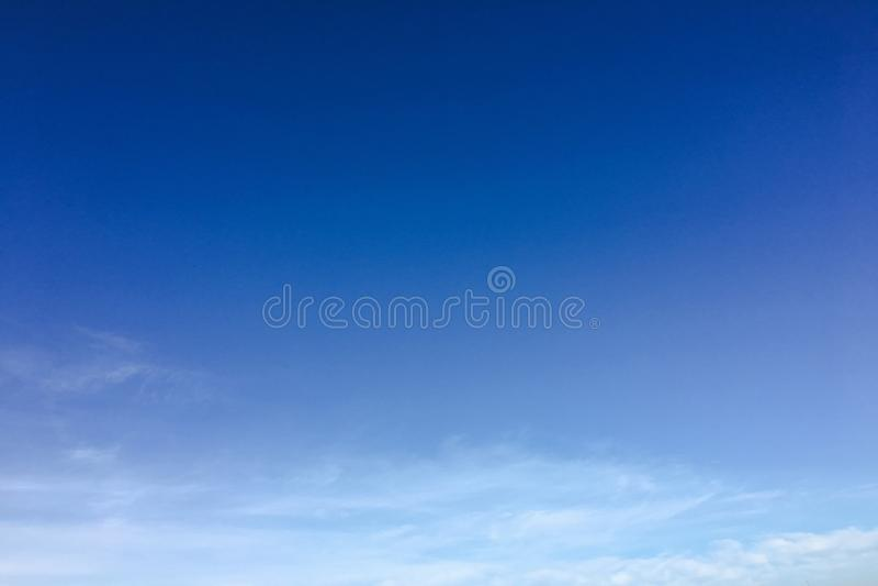 Μπλε υπόβαθρο σύννεφων ουρανού ουρανός σύννεφων στοκ φωτογραφία με δικαίωμα ελεύθερης χρήσης