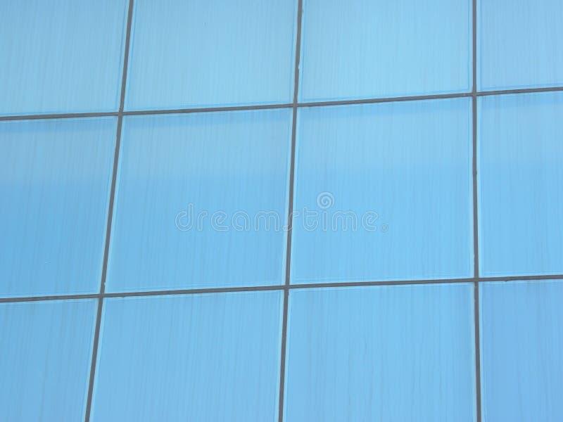 Μπλε χάλυβας χρώματος και τοίχος γυαλιού της οικοδόμησης του υποβάθρου στοκ φωτογραφία με δικαίωμα ελεύθερης χρήσης
