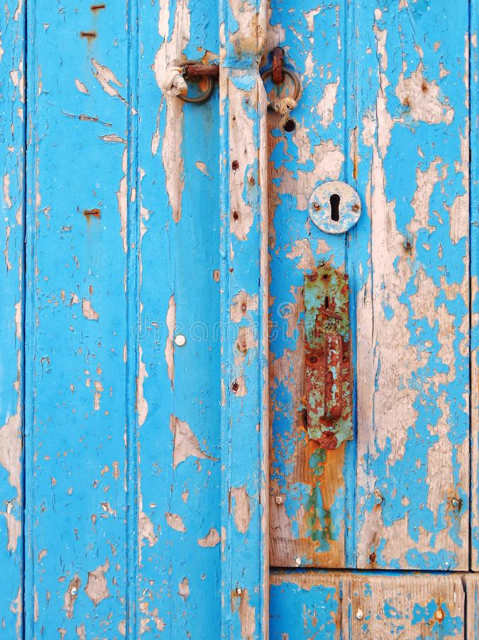 Μπλε χρωματισμένη ξύλινη κινηματογράφηση σε πρώτο πλάνο επιφάνειας πορτών στοκ φωτογραφία με δικαίωμα ελεύθερης χρήσης