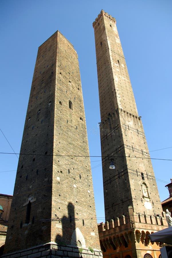 Μπολόνια οφειλόμενη Ιταλία LE torri στοκ εικόνες