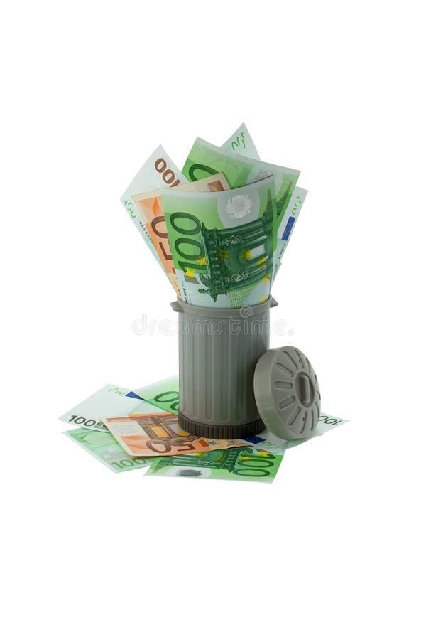 μπορέστε χρήματα απορριμάτων που ρίχνονται στοκ εικόνες με δικαίωμα ελεύθερης χρήσης